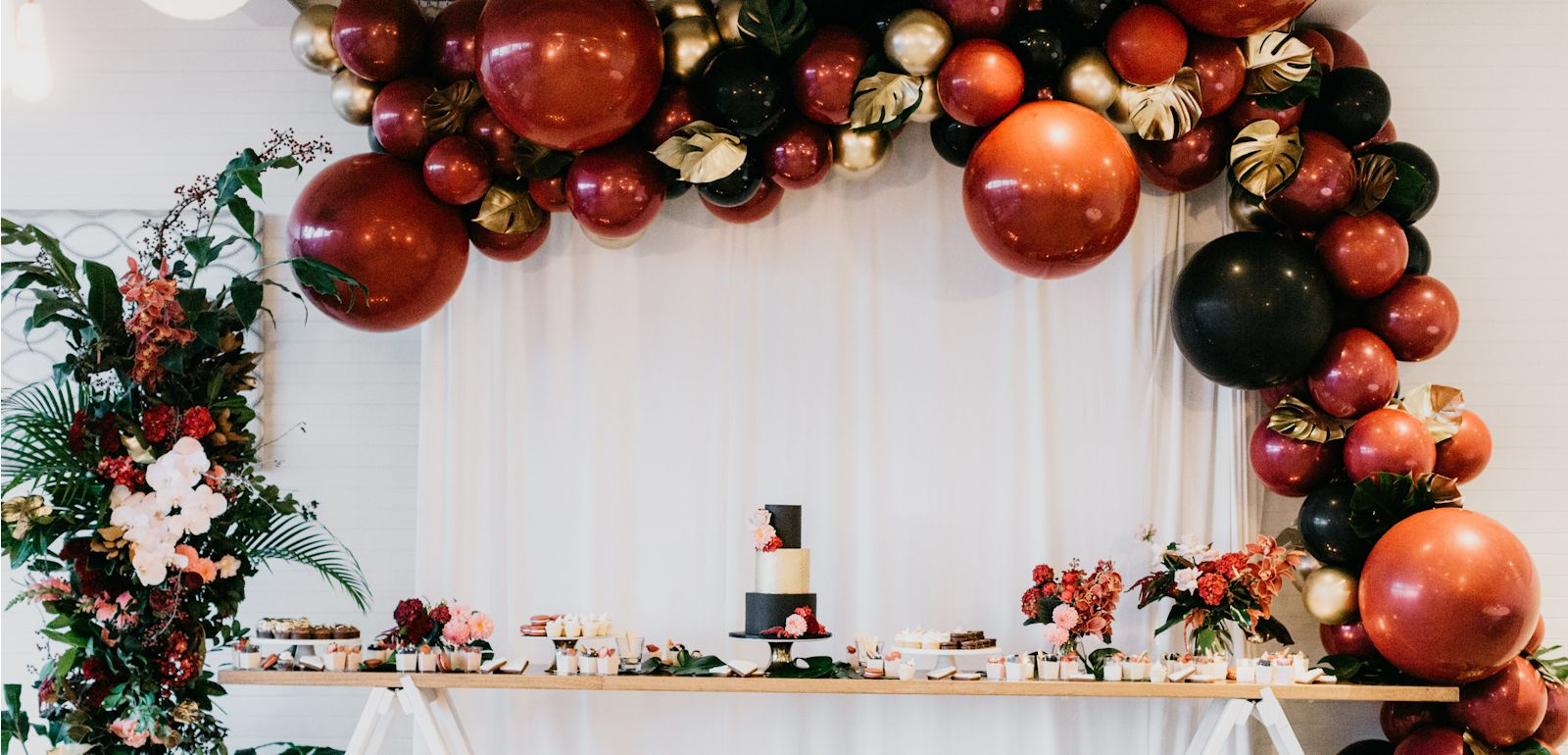 Cake table garland Jade