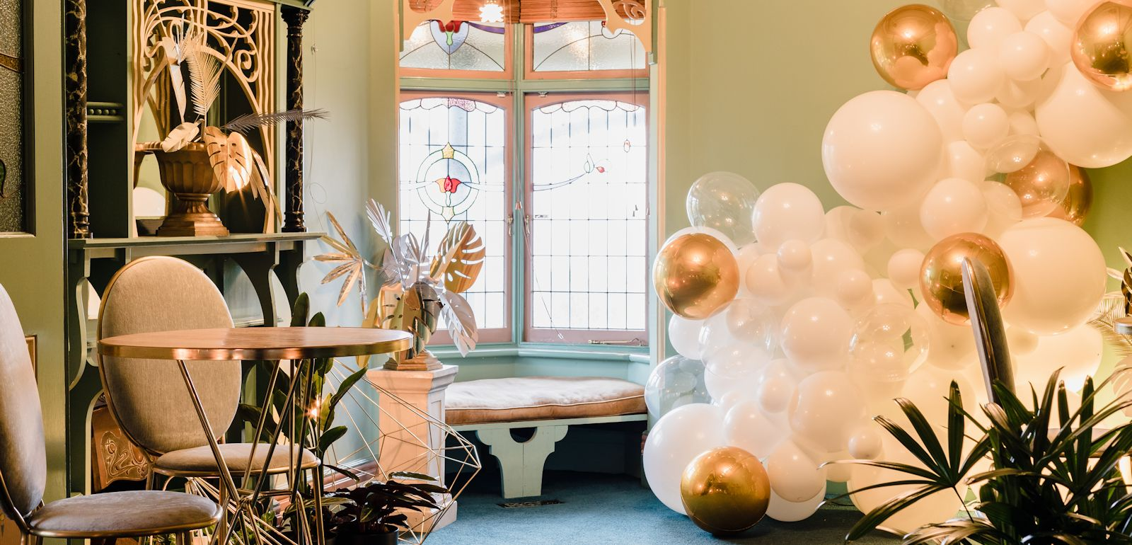 golden corner gatsby wedding